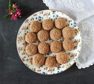 Organic Eggless whole wheat ginger cookies