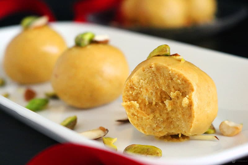 Perfecting-the-art-of-making-besan-ke-laddu