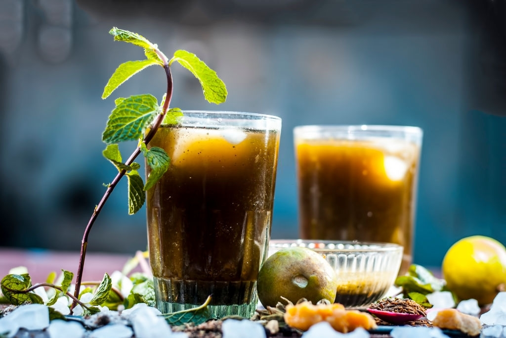 A-Delicious-Drink-for-Weight-Loss-With-Jaggery-Powder