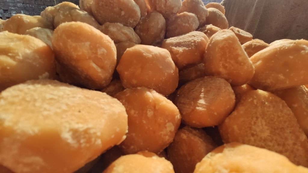 Interesting-Facts-About-Jaggery-Powder-You-Didn't-Know