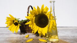 6 Incredible Sunflower Oil For Skin Benefits That Will Surprise You