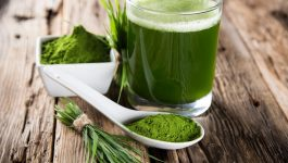 5 Science-Backed Wheatgrass Benefits for Skin & More
