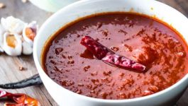 How to Make Red Chilli Sauce With Simple Ingredients