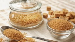 White Sugar or Brown Sugar? Which Should You Choose?