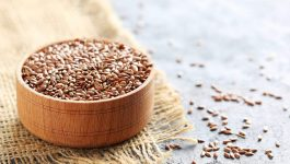 10 Benefits of Using Flaxseed on Skin and Hair