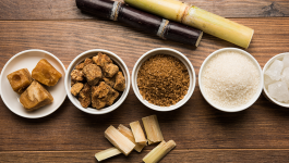 Know the Difference Between Jaggery, Brown Sugar, Molasses, and Sugar