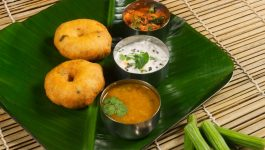 Crispy Urad Dal Vada Recipe for Kids and Adults Alike