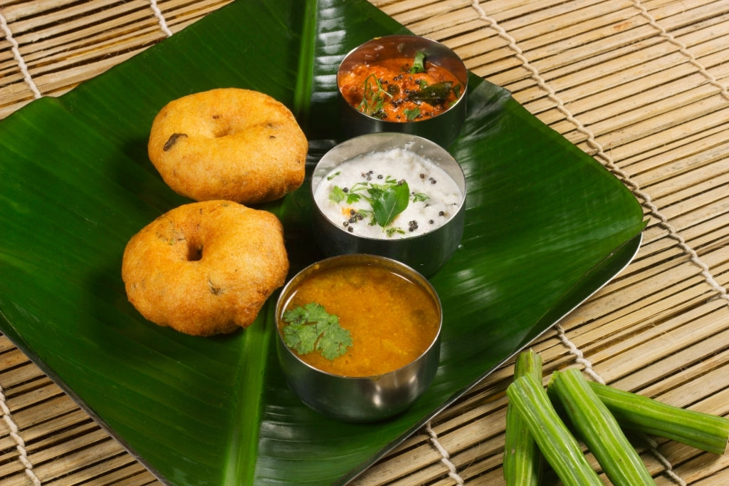 medu-wada-sambar-chutney