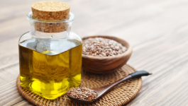 7 Impressive Advantages of Using Flaxseed Oil for Hair