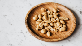 5 Healthy benefits of eating raw peanuts daily as a snack