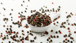 Black Pepper vs White Pepper: Which One Is Better Than the Other?