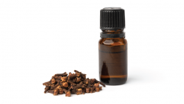Your Ultimate Guide for Using Clove Oil for Skin