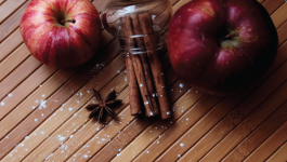 The Only Apple Cinnamon Cake Recipe You Need!
