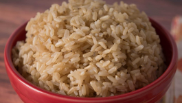 Pros and Cons of Having Brown Rice During Pregnancy