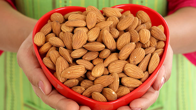 Almonds-in-Pregnancy?-How-Safe-is-it-to-Consume?