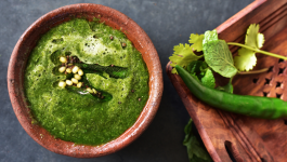 Finger Licking Mint Coriander Chutney You Can Try at Home