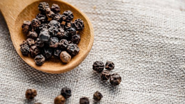 6 Benefits of Black Pepper Water on Your Health