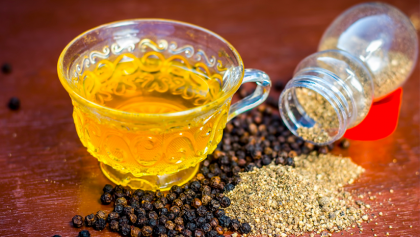 black pepper with hot water benefits