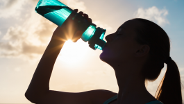 Can drinking water aid in weight loss?