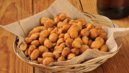 Roasted Peanuts vs. Raw Peanuts – Which One Is The Best?